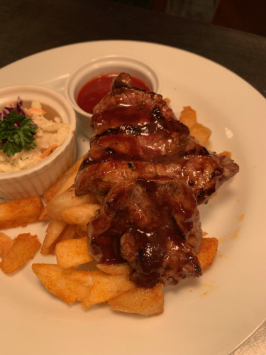 Flame Grilled & BBQ Basted Minute Steak w Chips & Mini Pot Coleslaw
